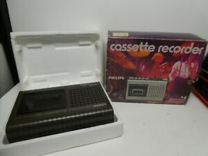 VINTAGE PHILLIPS ATOMIC RADIO CASSETTE TAPE PLAYER RECORDER IN BOX