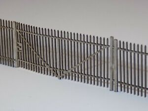 8ft steel security fencing (94cms)+ 6 various gates model railway fence 00 scale