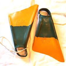Churchill Swim-fins Flippers Size Mens Medium 7 - 8.5 Original Box Stiff-Blades