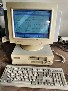 VINTAGE PACKARD BELL PB1110 486SX-25 DESKTOP COMPUTER + MONITOR +KEYBOARD