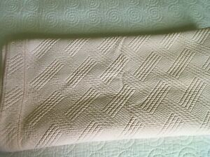 BLOOMINGDALES AT HOME Geometric Matelasse Coverlet Twin BLUSH PINK 64x89 inches