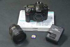 Appareils photo numériques noirs Nikon D7000