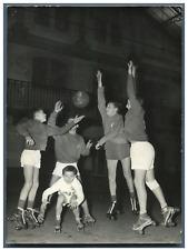 Basket à roulettes au lycée Carnot à Paris Vintage silver print Tirage argenti