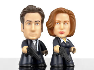 X-FILES TITANS FBI Agents Mulder & Scully
