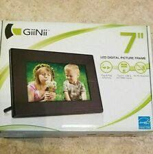 "NEW GiiNii GT701P1 7"" LED Digital Picture Frame"