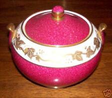 Wedgwood WHITEHALL W3994 Sugar Bowl with Lid