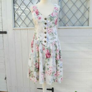 Size 12 80s Vintage Dress Sleeveless Knee Length Fit and Flare Floral White