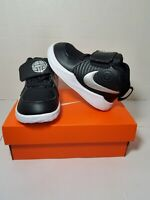Nike Team Hustle D9 Kid's Youth Mid Top Basketball Shoes size 6C