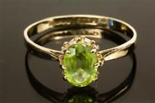 A SOLID 9ct YELLOW GOLD NATURAL PERIDOT SOLITAIRE RING, SIZE M/N, HALLMARED