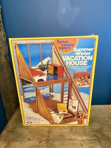 Suntan Tuesday Taylor Summer-winter Vacation House Vintage Ideal
