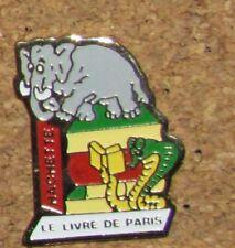 D9  VINTAGE PIN ANIMAL ELEPHANT CUTE BD CARTOON COMICS LIVRE DE PARIS BOOK