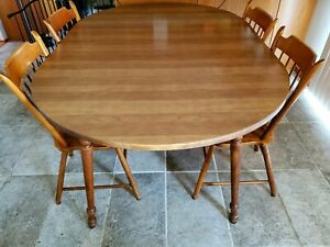 Tell City chair company Dropleaf Dining Table and 4 Chairs Finish: # 48 Andover