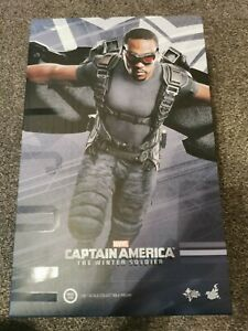 Hot toys 1/6 Scale Figure FALCON MMS245 Captain America The Winter Soldier