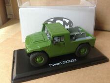 Pick-ups miniatures verts 1:43