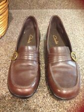 Clarks Women's Brown Leather Slip On Loafers Shoes Size 8M  *S2