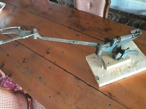 Vintage WESTERN Cartridge Co Cast Iron Clay Pigeon Thrower Skeet Trap Clays