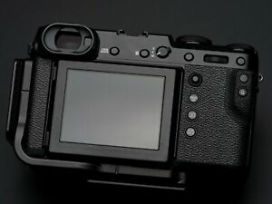 Fujifilm GFX 50R 51.4MP with 2 extra Batterie and Kirk L-bracket