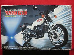 Yamaha RZ250 1/15 Fujimi Vintage 1981 Plastic Model Kit Motorcycle Rare RZ 250