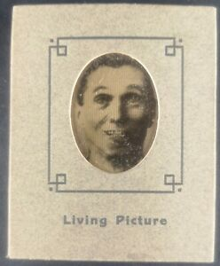 ANTIQUE LIVING PICTURE /  LENTICULAR OPTICAL TOY CIRCA 1900 ANIMATION