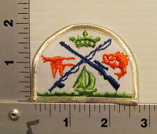 HUNTING FISHING SPORTSMEN  VINTAGE EMBROIDERED PATCH