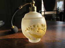 Vaporisateur en verre granité,décor gravé acide fleurs et feuillage .provenance?