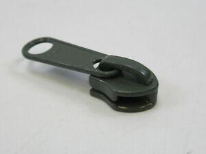 Zipper Pull and Zipper Tape Zipper Vice Zipper Vice Zipper Pull Clamp Zipper Pull Holder Zipper Jig