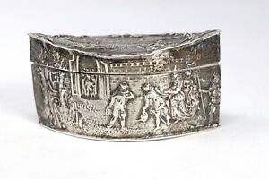 A Nice Looking Antique Dutch Solid Silver Carved Pill Box 28g #32496
