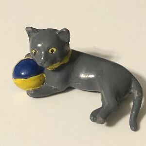 """Dollhouse Miniature Painted Die Cast Cat Grey With Ball Lying 1 5/8"""" Long Pet"""
