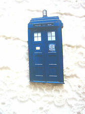 BLUE DR WHO TARDIS POLICE BOX BROOCH PIN / SCI FI / GEEK / KITSCH / TIME TRAVEL
