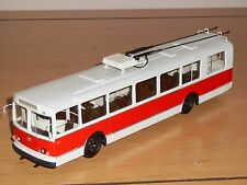 Bus ziu-9v, finoko, russe à la main modèle 1,43