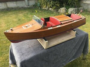 CHRIS-CRAFT RUNABOUT 1930'S MAHOGANY SCALE MODEL RADIO CONTROL SPEED BOAT SHIP