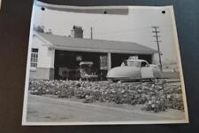 Vintage Photo RARE 1948 Davis Divan 3 Wheel Car at Home 892019