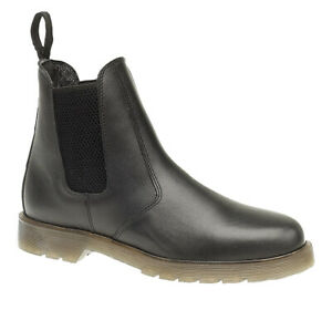 Black Dealer Chelsea Slip On Leather Boots