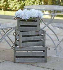 Solutions de rangement gris en bois pour la maison
