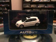 Autoart Volkswagen Golf Mk5 2003 Candy White 1/43 MIB 59774