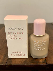 Mary Kay Day Radiance Oil Free Foundation Buffed Ivory #6345 New With Box