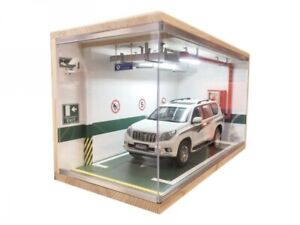 Parking Garage Diorama 1:18 Parkhaus Schaukasten inkl. LED-Beleuchtung Vitrine