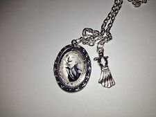 GLASS MARILYN  MONROE SILVER LOCKET & NECKLACE With Dress 18""