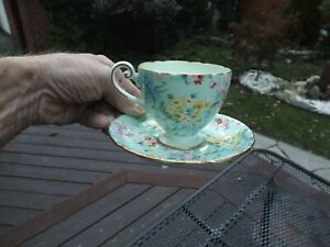 STUNNING CHINTZ SHELLEY TEACUP FLORAL MADE IN ENGLAND SHELLEY TEACUP TEA CUP