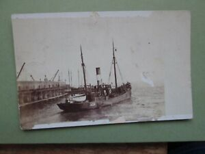 Postcard of Trawler leaving for sea, Hull (1904 posted)