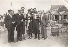 Photo ancienne portrait de famille sur la plage Cayeux S / Mer 1932