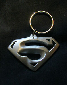 14029 SUPERMAN KEY CHAIN