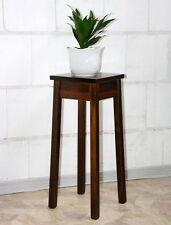 Möbel im Kolonialstil aus Massivholz fürs Wohnzimmer