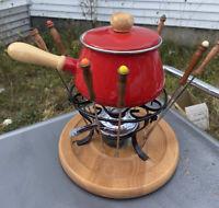 Vintage Red Enamelware Porcelain Enamel Wood Handle Fondue Pot Set w/8 Forks