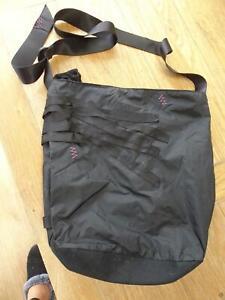 NIKE ladies black sporty shoulder bag / hand bag EXCELLENT COND