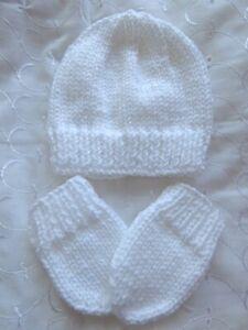 NEWBORN / 0-3 MONTHS BABY WHITE HAND KNITTED HAT & MITTENS SET REBORN DOLL