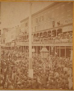 ORIGINAL 1875 STEREOVIEW PHOTO OF NEW ORLEANS MARDI GRAS PARADE - CANAL STREET