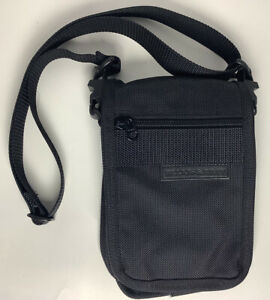 Briggs & Riley Cross Body/Fanny Pack. Great For On The Go (Bike/Hike) Black