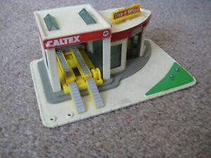 New-Ray ~ Caltex Tire & Wheel Garage / Service station ~ HO Gauge
