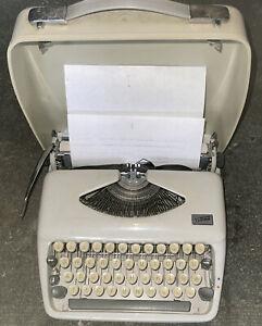 ADLER TIPPA Reiseschreibmaschine mit Koffer